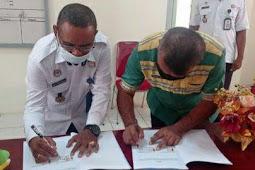 David Lekatompessy dan Benediktus Fenyapwain PKS Pembinaan Warga Binaan Lapas Saumlaki