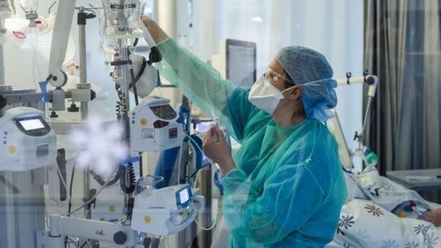 Πέντε θάνατοι 20ρηδών τον Οκτώβριο - Επικίνδυνο το «κοκτέιλ» γρίπης & κορωνοϊού (βίντεο)