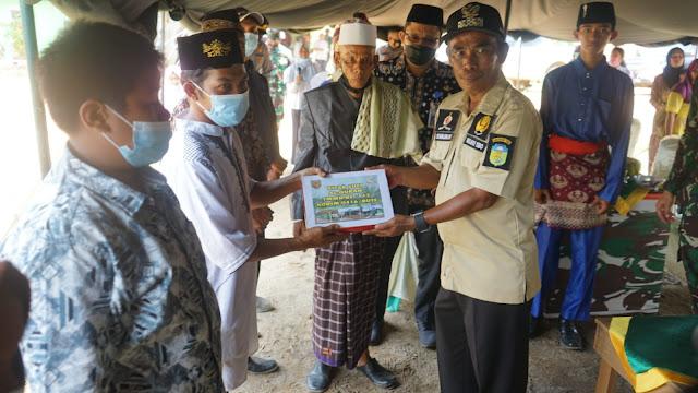 Serahkan Al-Qur'an, Wakil Bupati Tebo Syahlan : Semoga Menjadi Pembimbing Hidup