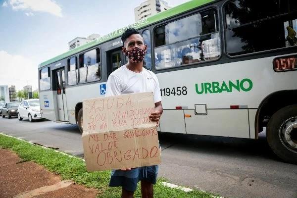 A Imigração cresce e moradores de rua estrangeiros se espalham pelo DF