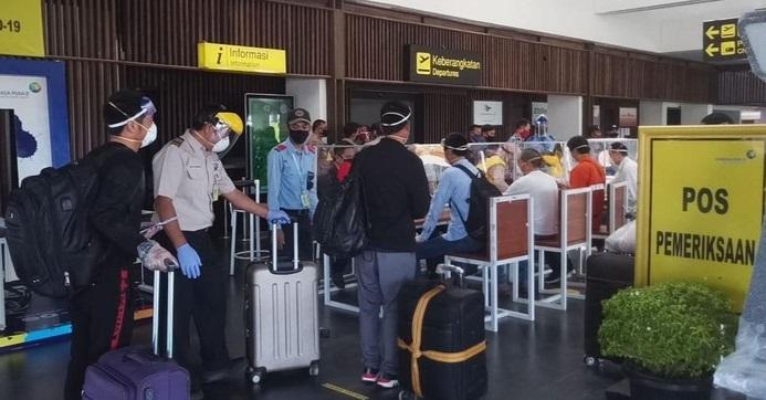 Ungkap Alasan TKA China Hindari Bandara Soetta, Faisal Basri: Mereka Takut Ditanyai Wartawan