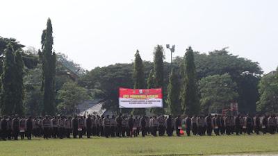 Pastikan Proses Pemungutan Suara Berjalan Aman dan Kondusif, Personel Brimob Banten Lakukan Pengamanan di Pilkades Kabupaten Lebak