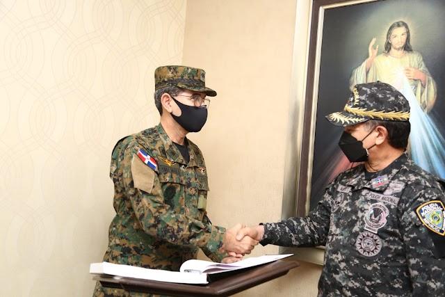 Ministro de Defensa expresa confianza en direccionamiento del mayor general Alberto Then al frente de la Policía Nacional