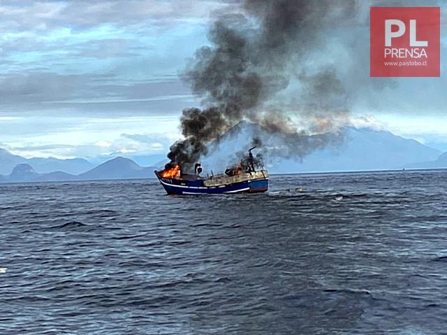 Incendio a bordo de embarcación