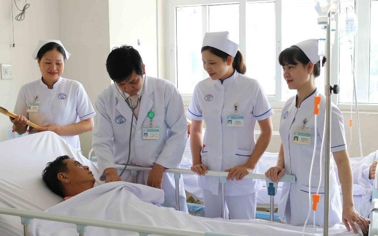 Các bác sĩ tại bệnh viện Chợ Rẫy