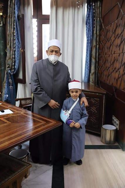 الإمام الأكبر يكرم المتميزين والمبتكرين بالأزهر ويؤكد دعمه للإبداع والابتكار