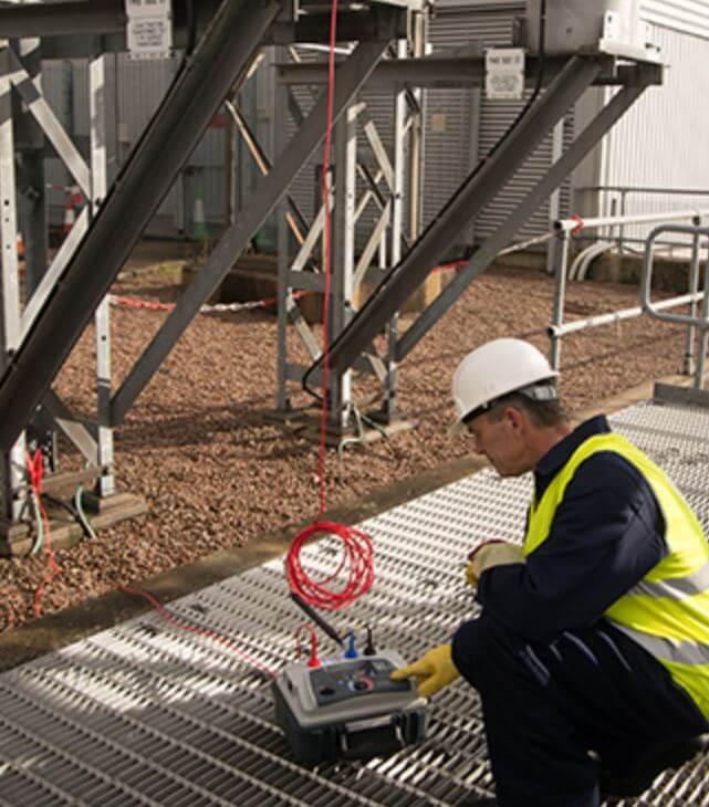 ما المقصود بأختبار العزل الكهربى للمعدات فى الشبكه الكهربيه ؟ Electrical insulation test for equipment in the electrical network