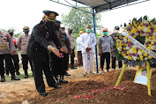 Polres Serang Gelar Upacara Pemakaman Secara Dinas Kepolisian untuk Almarhum Aiptu Muhamad Arifin