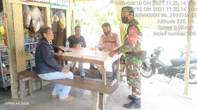 Laksanakan Komsos Dengan Warga, Personel Jajaran Kodim 0207/Simalungun Himbau Pakai Masker