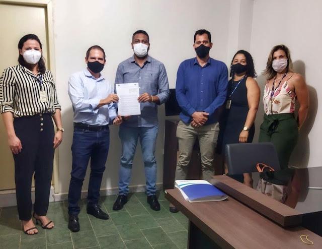 Prefeitura  de Seabra repactua  Contrato de Concessão com a Embasa.