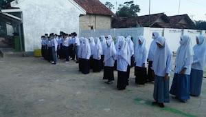Pondok Pesantren Nurul Huda Al Amin Memperingati Hari Santri Lakukan Upacara