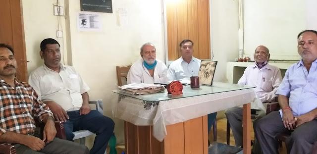 Press Meet- अव्यवस्थित काम से गड्ढों के शहर में तब्दील हुआ सागर -रघु ठाकुर