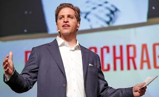 Picture of Peter Schrager giving speech