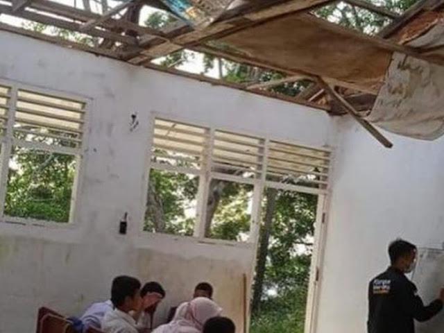 Miris, SD Negeri di Padangsidimpuan Rusak Parah-Tak Ada Atap