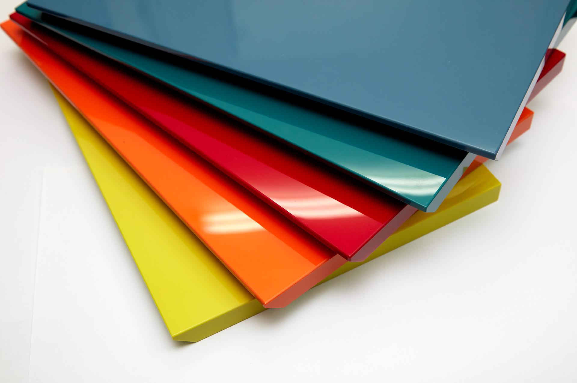 Acrylic là gì? Ưu và nhược điểm của Acrylic