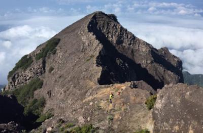 wisata religi gunung raung di jawa