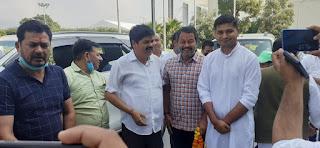 Leaders of doiwala  congress at jolly grant airport