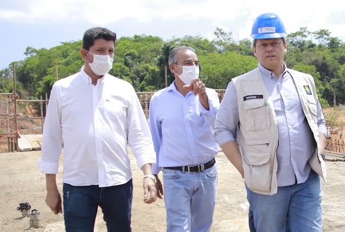 Tarcísio de Freitas reafirma ao deputado Glaustin da Fokus compromisso de recuperar 10 km da BR-158 dentro de Jataí