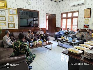 Pastikan percepatan kegiatan vaksinasi oleh jajarannya, Waka Polda Lampung kunjungi Lampung Utara