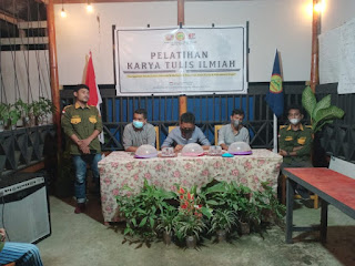 Karang Taruna Bulu Tellue Gelar Pelatihan Karya Tulis ilmiah di Cafe Lampu Badai di Hadiri Ketua BPD Desa Lemo