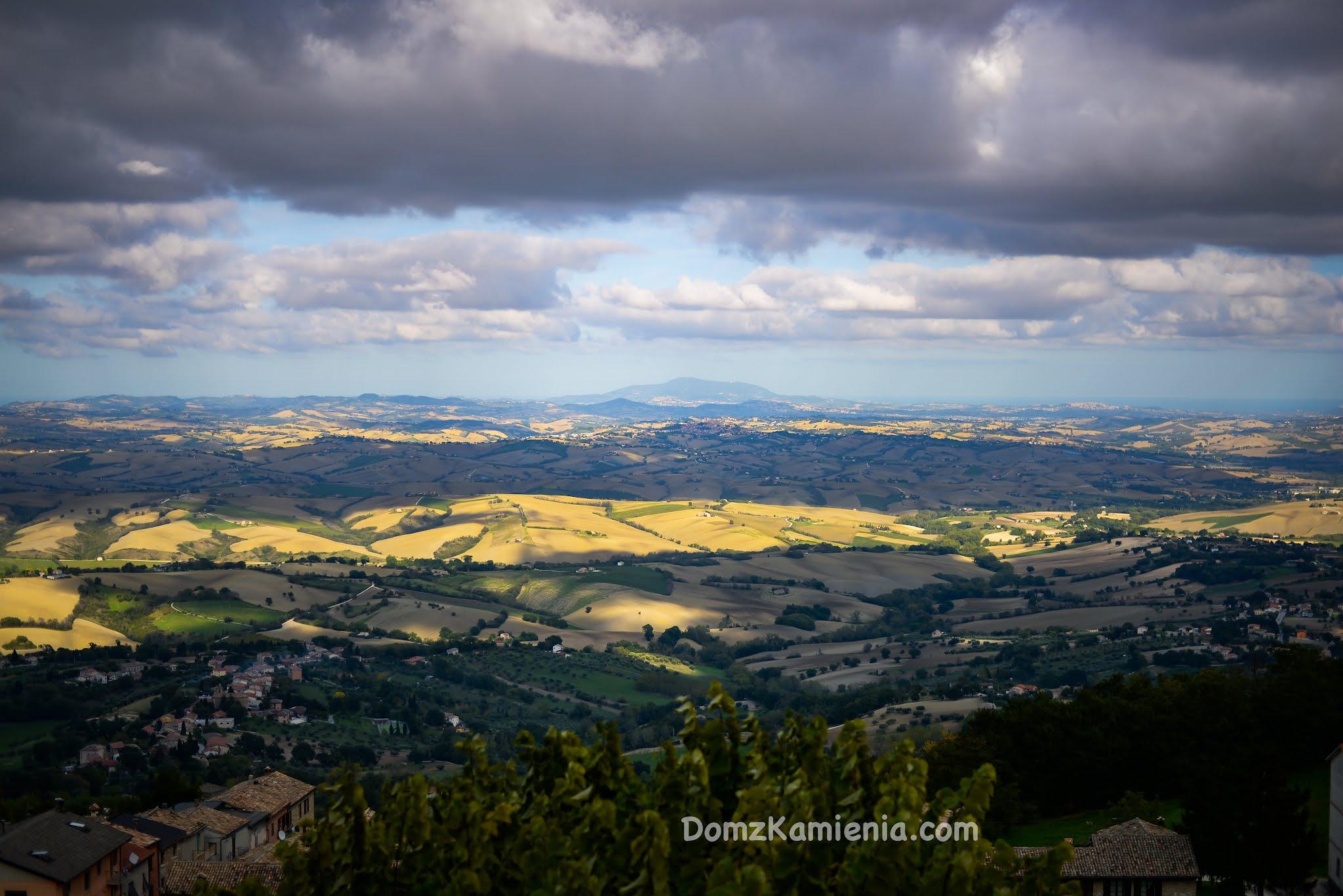 Marche nieznany region Włoch, Dom z Kamienia blog