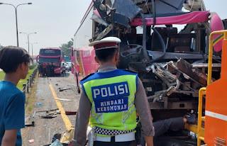 Begini Kronologi Tabrakan Beruntun Bus yang Bawa Rombongan Peziarah Tangerang