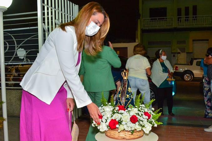 Prefeita destaca importância da fé dos conquistenses e participa da celebração à padroeira do Brasil