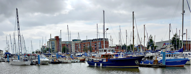 Hull marina with all of the boats