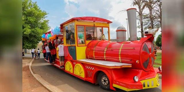 Senador Canedo realiza distribuição de brinquedos em comemoração ao Dia das Crianças