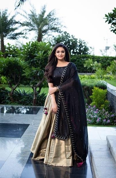 Keerthy Suresh Beautiful New Photoshoot Stills Navel Queens