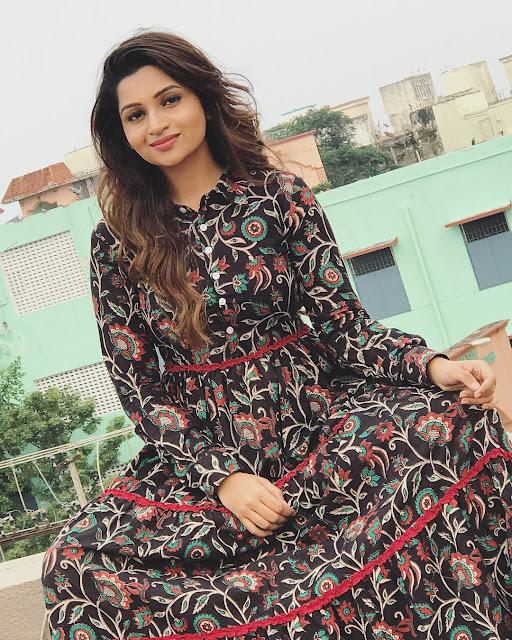 Tamil Actress Nakshathra Nagesh Latest Photoshoot Navel Queens