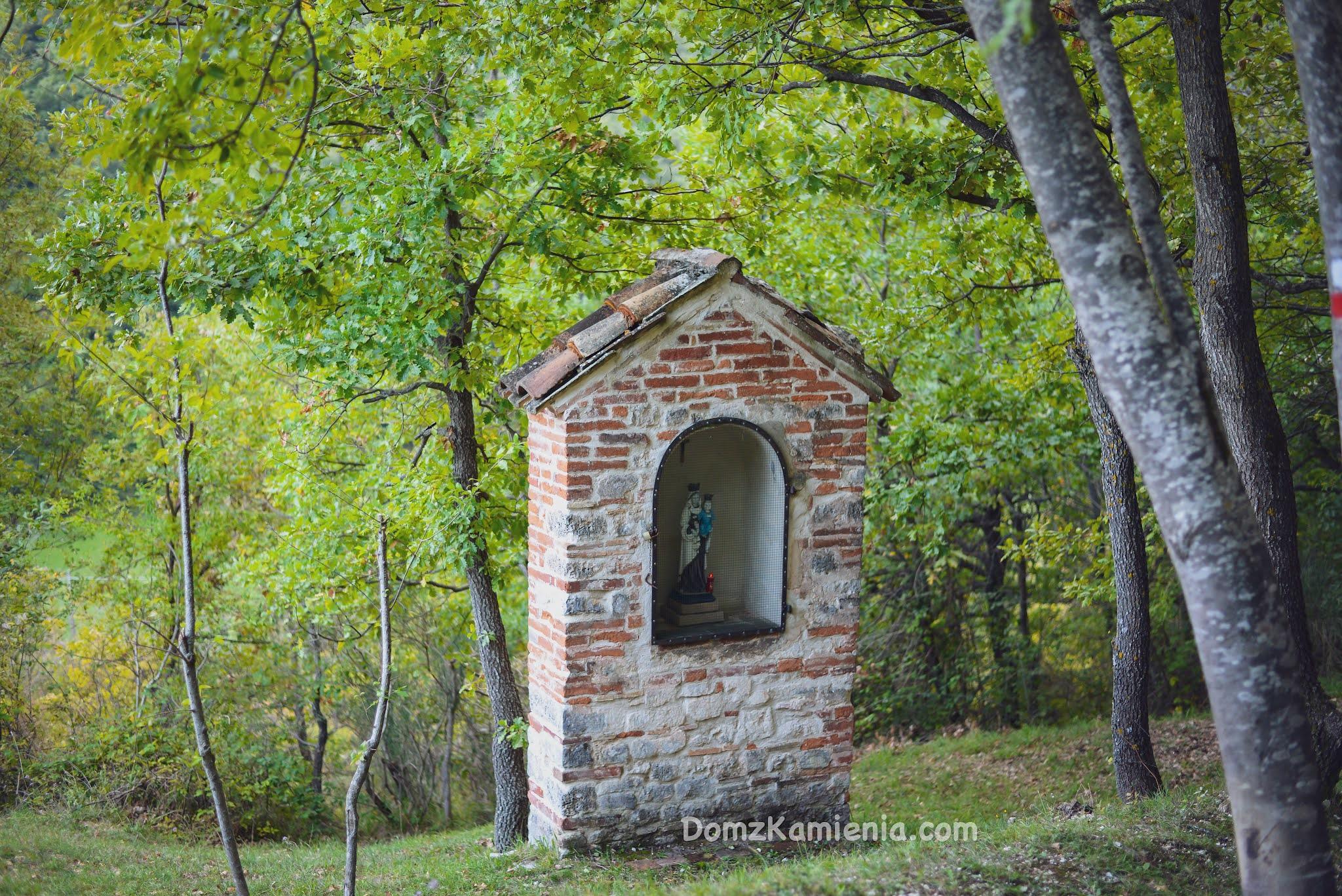 Marche - nieznany region Włoch, Elcito, Dom z Kamienia blog