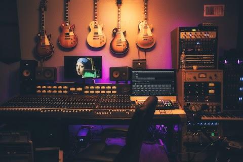How To Transform A Spare Room Into A Home Music Studio
