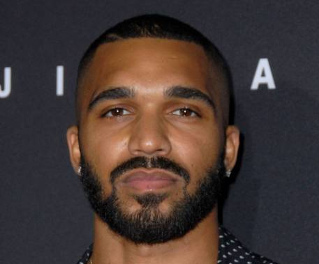 Who is Tyler Lepley Married to? His Wife, Girlfriend, Gay Rumors, Son, Facts, Parents