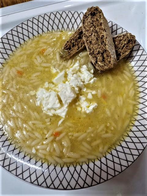 Μανέστρα (κριθαράκι) σούπα