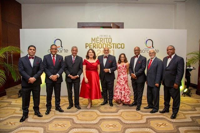 Acroarte reconoce personalidades en décima edición Premio al Mérito