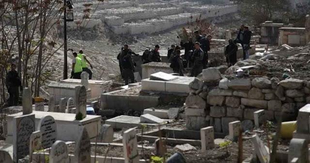 Kembali Berulah, Israel Gusur Kuburan Syuhada Muslim Dekat Masjid Al Aqsa