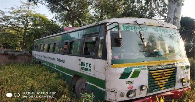 HRTC बस का फेल हो गया ब्रेक: 50 यात्री थे सवार, ड्राइवर की सूझबूझ को कर रहा हर कोई सलाम