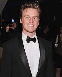 Jonathan Groff Net Worth, Income, Salary, Earnings, Biography, How much money make?