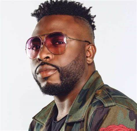 Marry a team player and not a girl with high expectation - Samklef advises celebrities