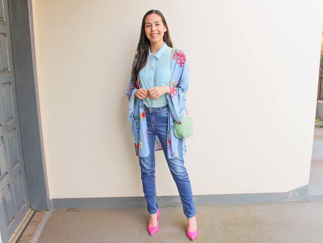 Look azul e scarpin rosa pink!