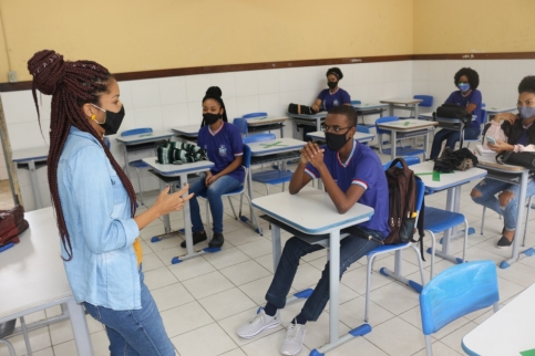 Ano letivo da rede estadual migrará para aulas 100% presenciais no dia 18 de outubro