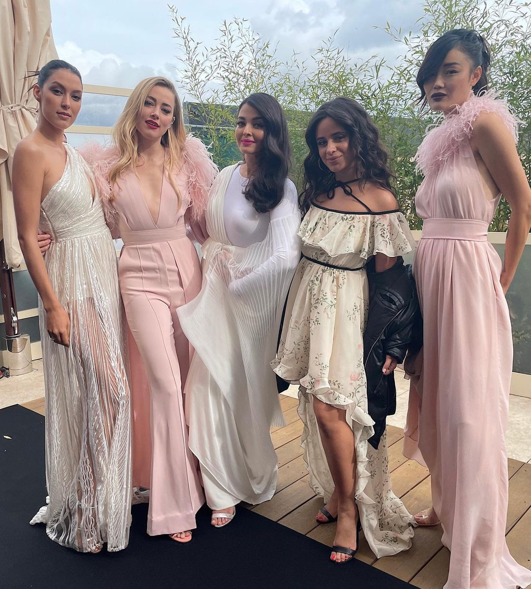 L'Oreal ambassadors take Paris Fashion Week by storm