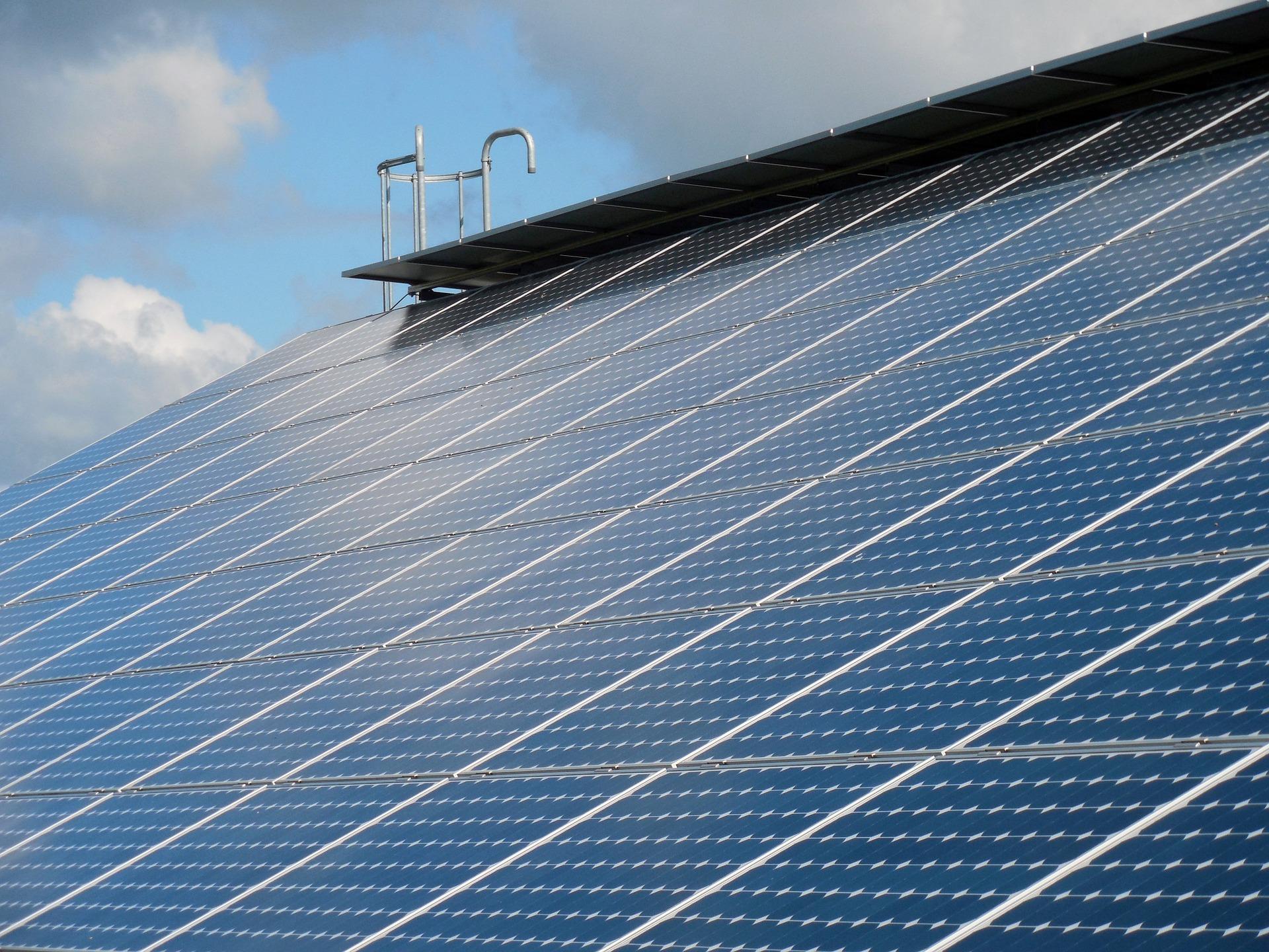 القمة العالمية لطاقة المستقبل بأبوظبي Abu Dhabi تناقش أهداف البيئة والمناخ