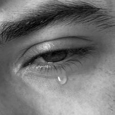 صور بكاء حزينة