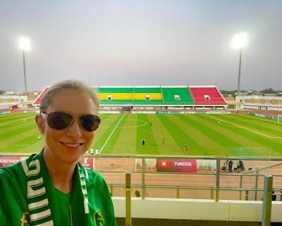 """نواكشوط : سفيرة الولايات المتحدة تشجع """"منتخب"""" المرابطون ..-صورة"""