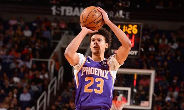 Inspirado no Salmo 23, jogador de basquete testemunha fé pelo número de sua camisa