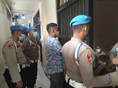 Subbid Provos Bidpropam Polda Banten melaksanakan inspeksi mendadak berupa pemeriksaan dan pengecekan kepada personel jaga tahanan serta rumah tahanan