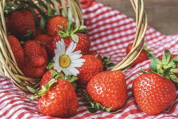 Strawberries -- In Season And Good For You