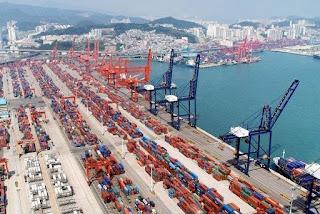 Surto de covid-19 fecha porto chinês e impede abastecimento global